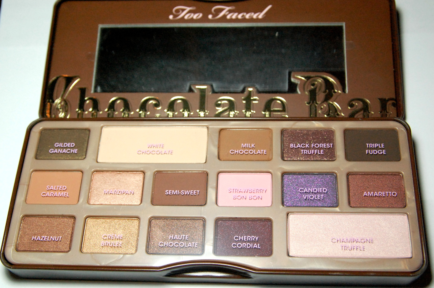 Too Faced Chocolate Bar eyeshadow palette review – Swatch and Review