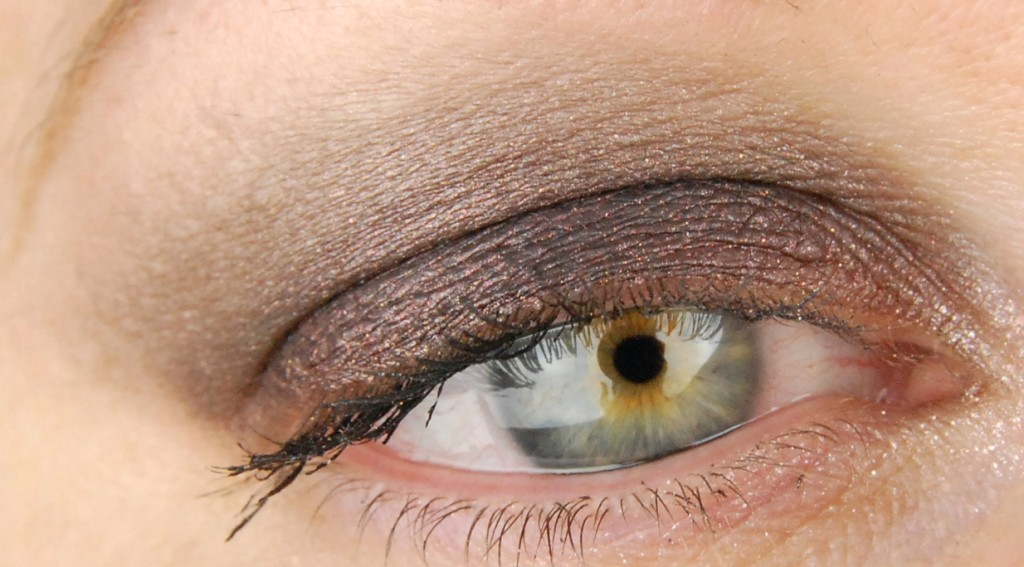 Urban Decay Naked 3 Blackout Mugshot eyeshadow 2