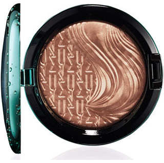 MAC Alluring Aquatic Extra Dimension Bronzer in Aphrodites Shell