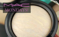MAC Cosmetics Lightscapade Mineralize Skinfinish review