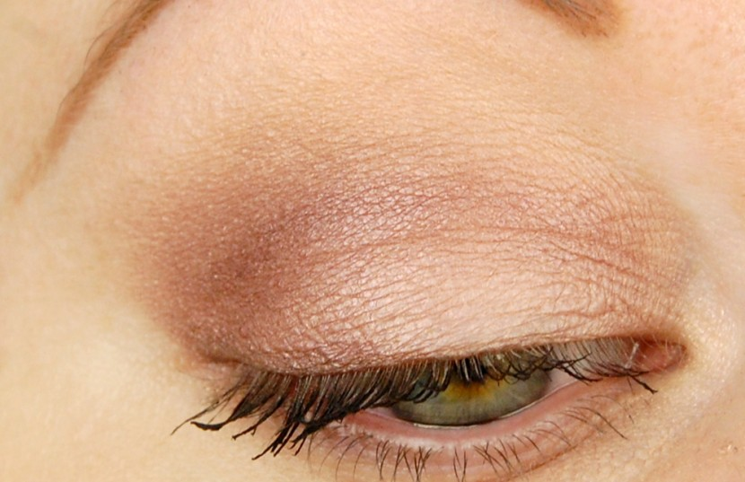 essence FOTD all about nude eyeshadow look 3