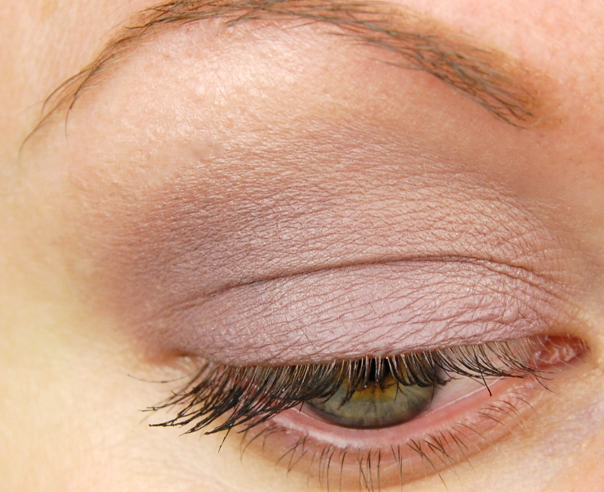 Gray Paint Swatches Mac Cosmetics Pro Longwear Paint Pot In Stormy Pink Review