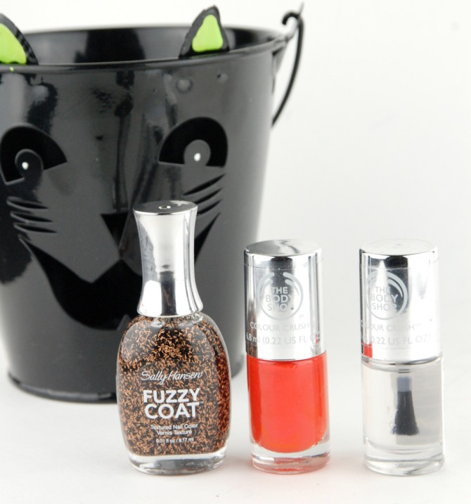 Easy Halloween nail polish with The Body Shop Just Peachy and Sally Hansen Witch-ful Thinking