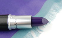 MAC Cosmetics Nasty Gal Gunner lipstick review
