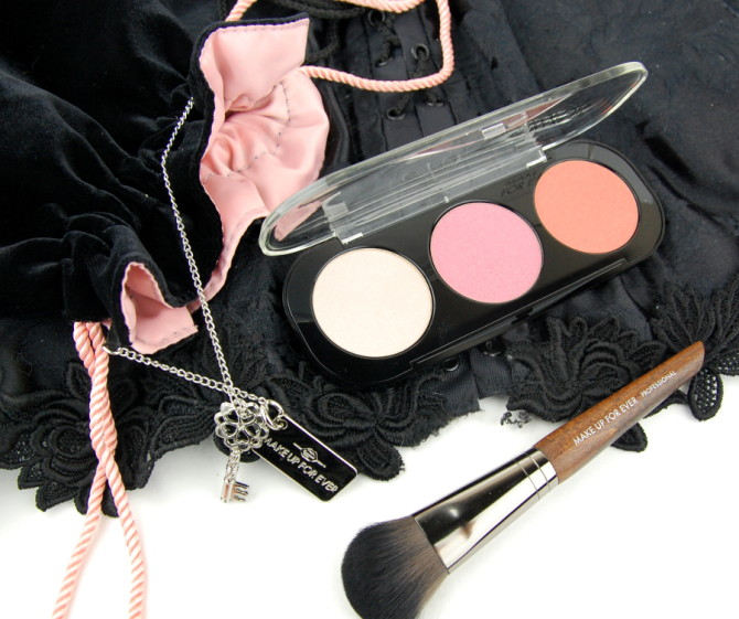 MAKE UP FOR EVER Fifty Shades of Grey: Desire Me Cheek Set review