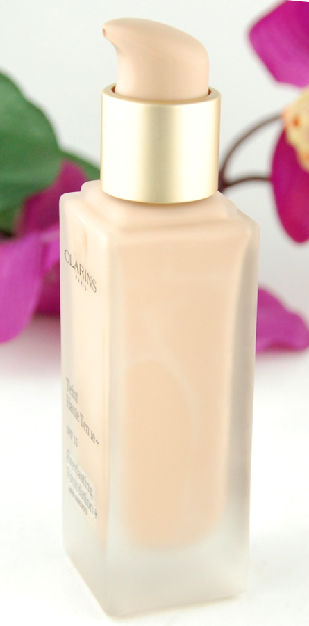 Clarins Everlasting Foundation SPF15 Porcelain 102_5 review 3