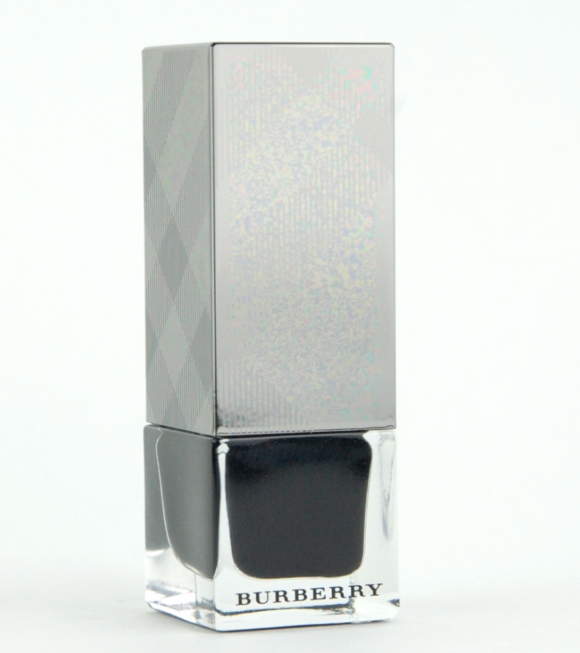 BURBERRY Nail Polish No 299 Poppy Black review