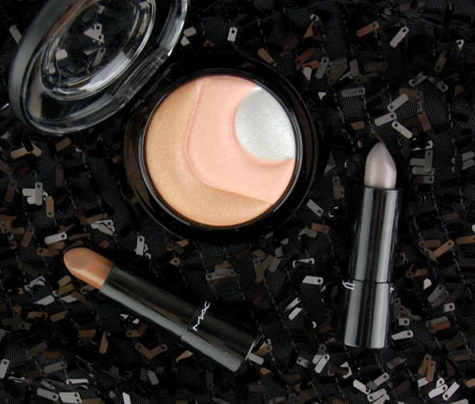 Future MAC: Otherearthly Mineralize Skinfinish, Iodized & Touch the Earth Mineralize Rich lipstick