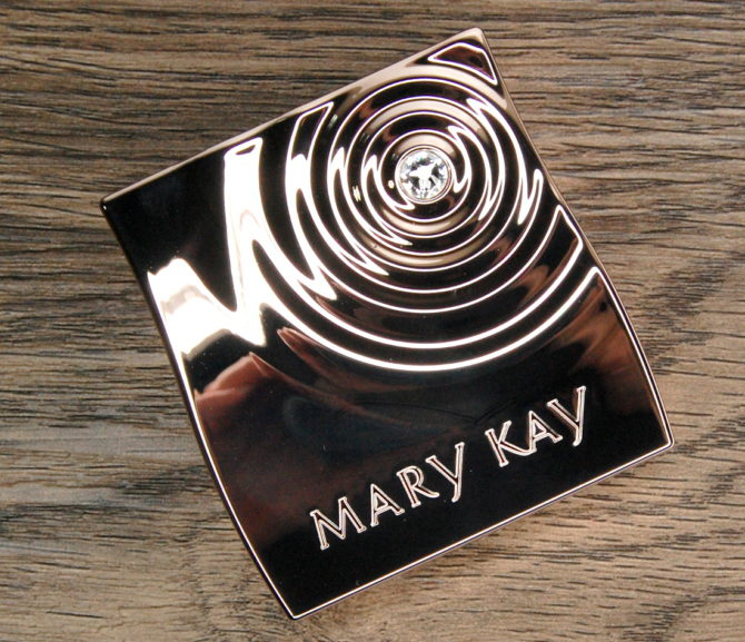 Mary Kay Summer 2016:  Natural Palette Eyeshadow Bundle + Rose Gold Compact Mini review