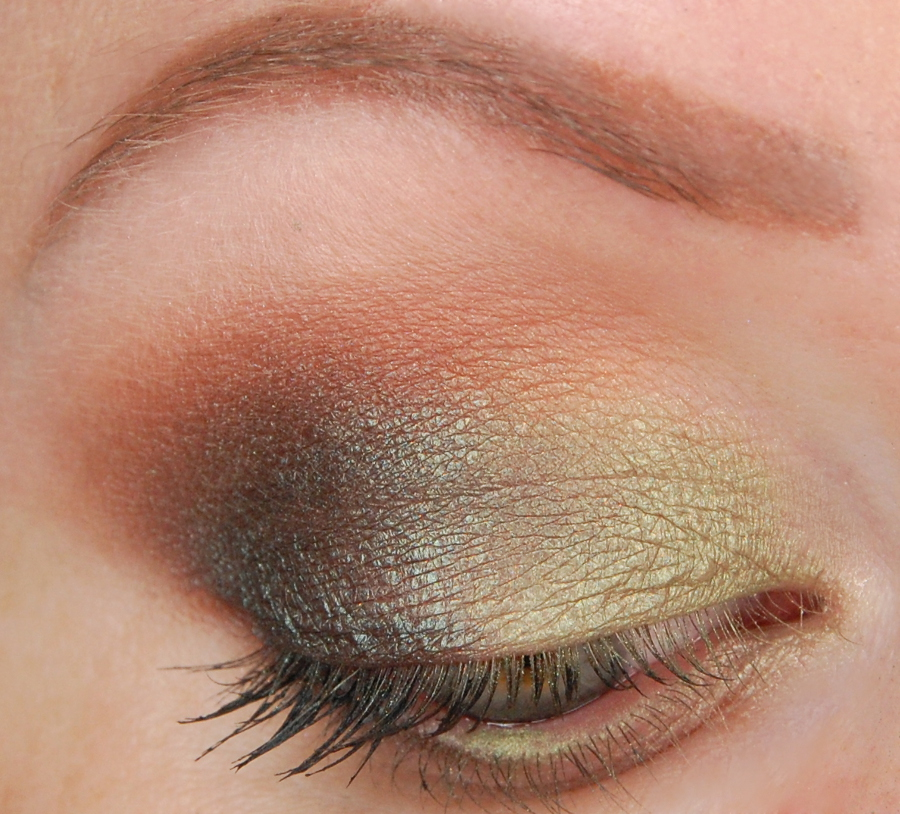 Too Faced Totally Cute Eyeshadow Palette Look 2