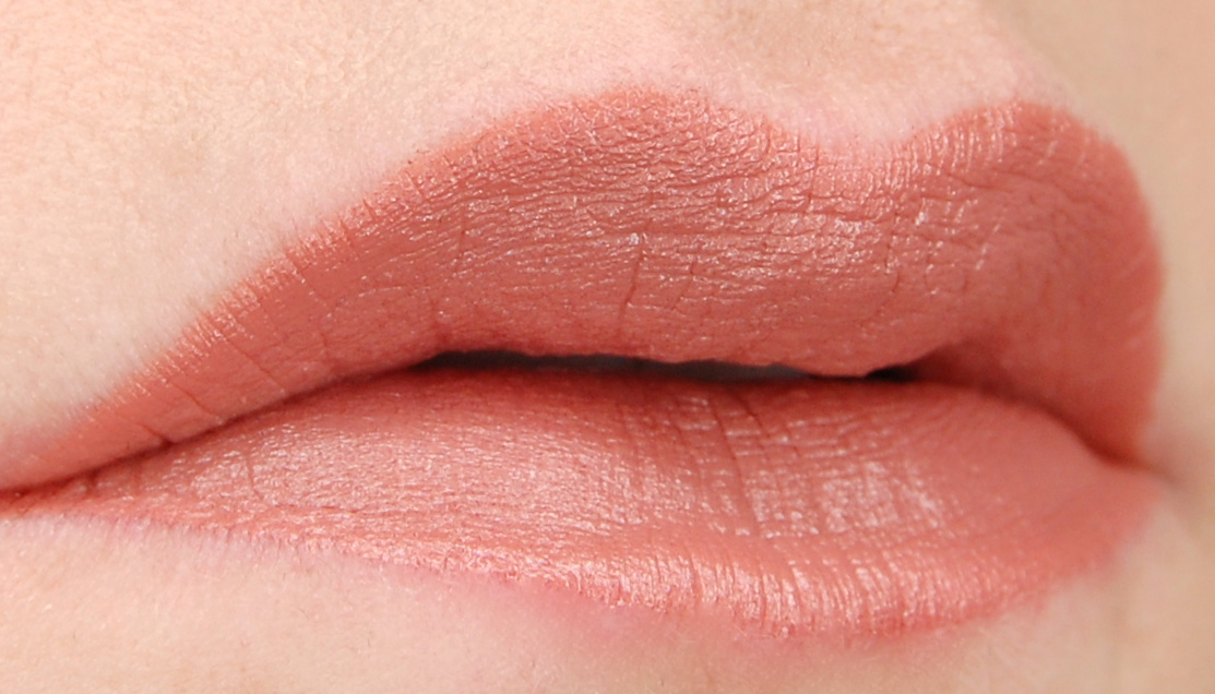 Bite Beauty Perfect Bite Amuse Bouche Lipstick Honeycomb swatch