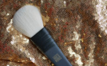 MAC Cosmetics x Robert Lee Morris 135 Flat Powder Brush review