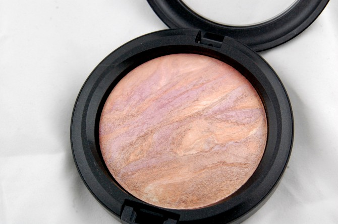 MAC Fantasy of Flowers Perfect Topping Mineralize Skinfinish