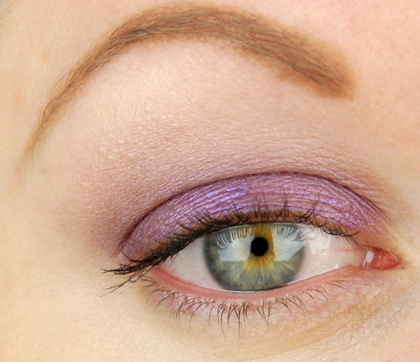 MAC Cosmetics A Novel Romance Highly Charged Electric Cool Eye Shadow 1