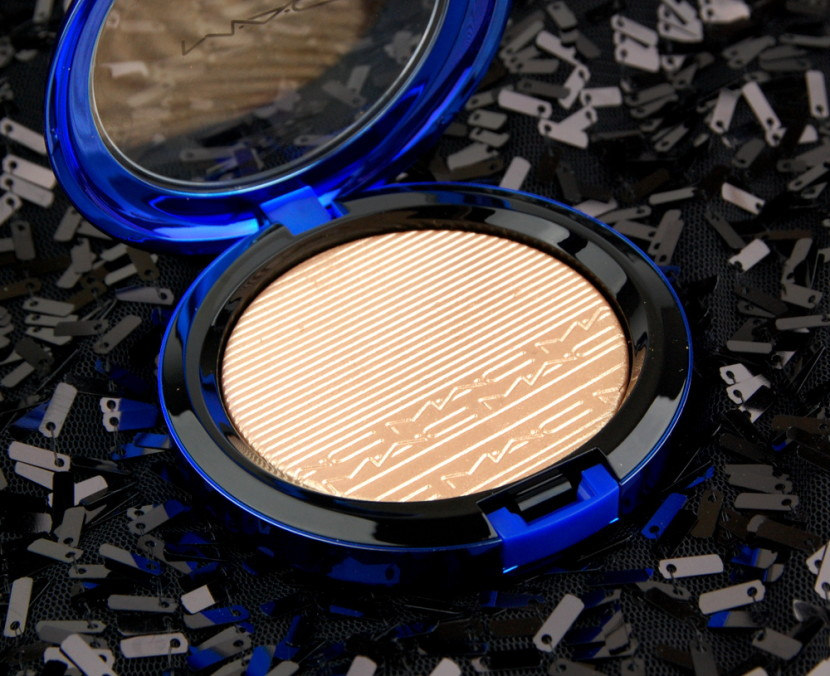 MAC Cosmetics Magic of the Night Oh Darling In Extra Dimension Skinfinish review 1
