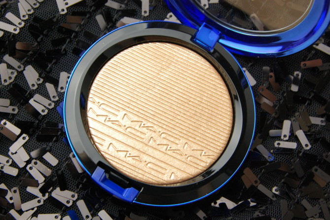 MAC Cosmetics Magic of the Night Oh, Darling! In Extra Dimension Skinfinish review