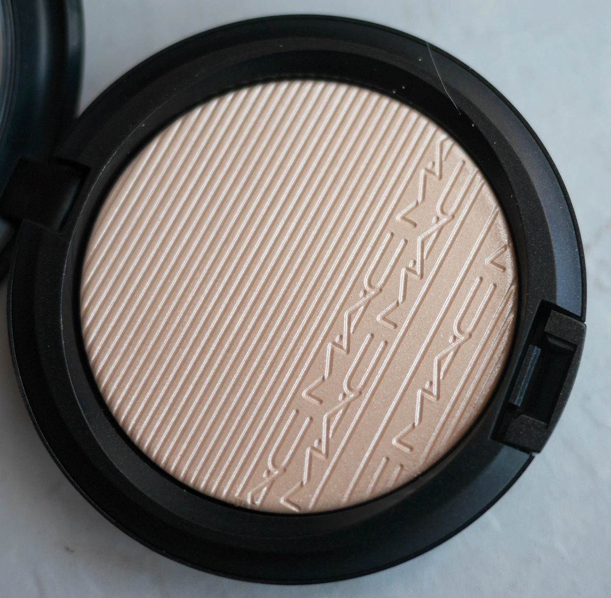 MAC Cosmetics Extra Dimension Skinfinish Doublegleam review