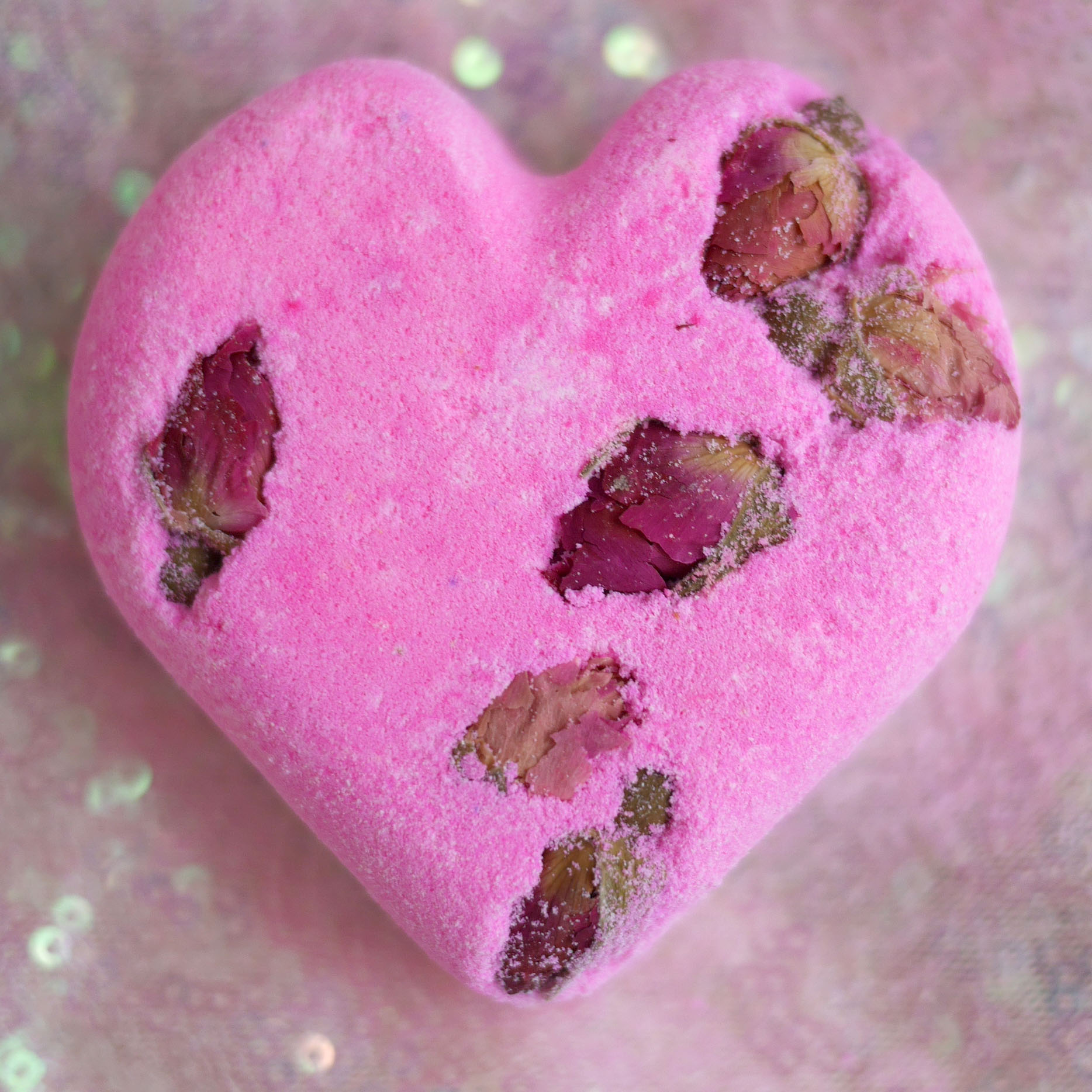 LUSH Cosmetics Valentines Day 2018 Tisty Tosty bath bomb bubble